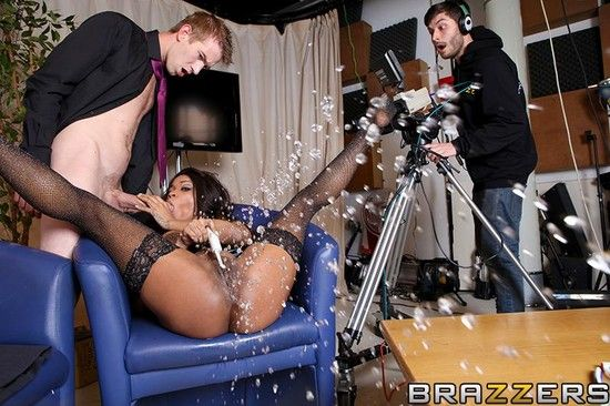 Ebony squirting twice free home made porn xhamster