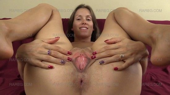 Show off your wifes pussy