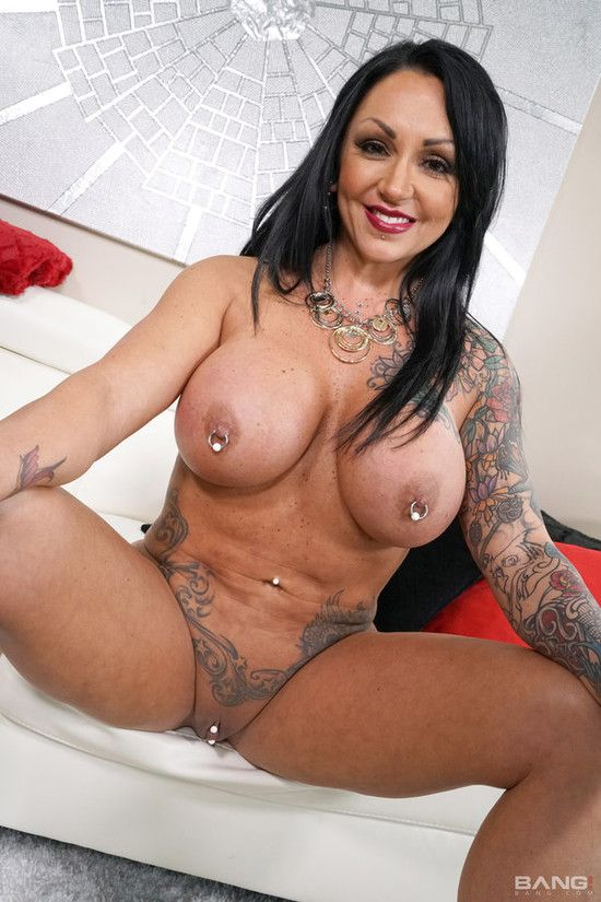 Real Milfs Ashton Blake Ashton Blake Is A Tattooed Bad Girl With