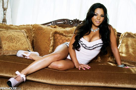 Adrianna luna plays with her hot g vibe 1