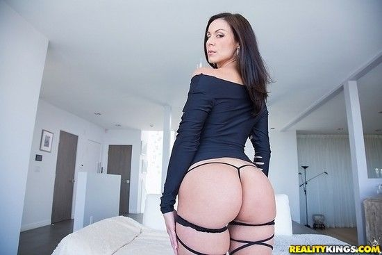 Kendra Lust Monster Curves