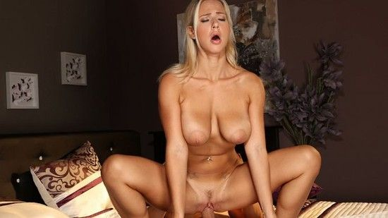 The perfect blonde milf